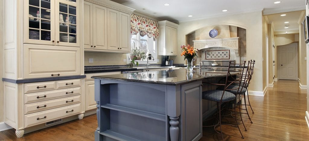Traditional kitchen island Charlotte